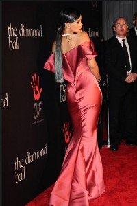 Rihanna-Grey-Hair